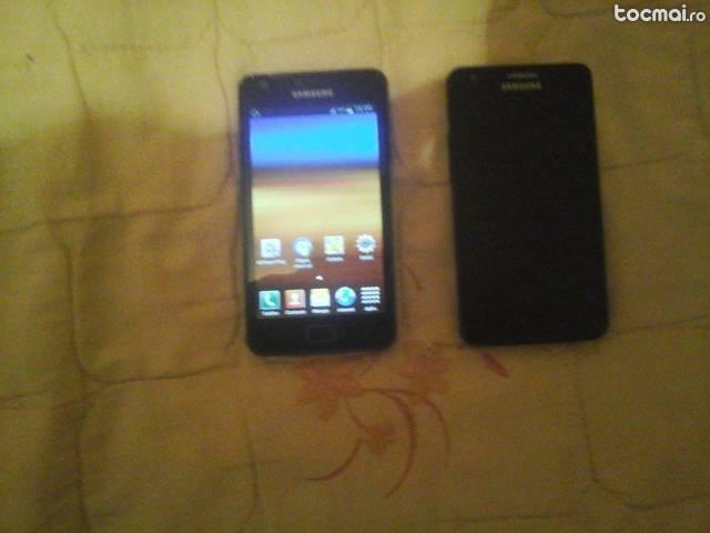 Doua telefoane Samsung S2