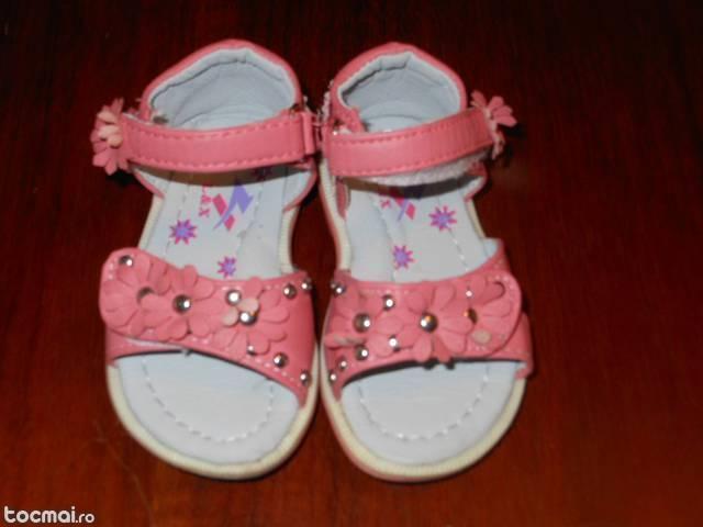 Sandale corai bebeluse marimea 20