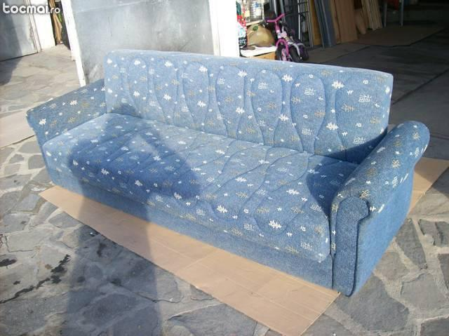 Canapea extensibila cu lada de haine import