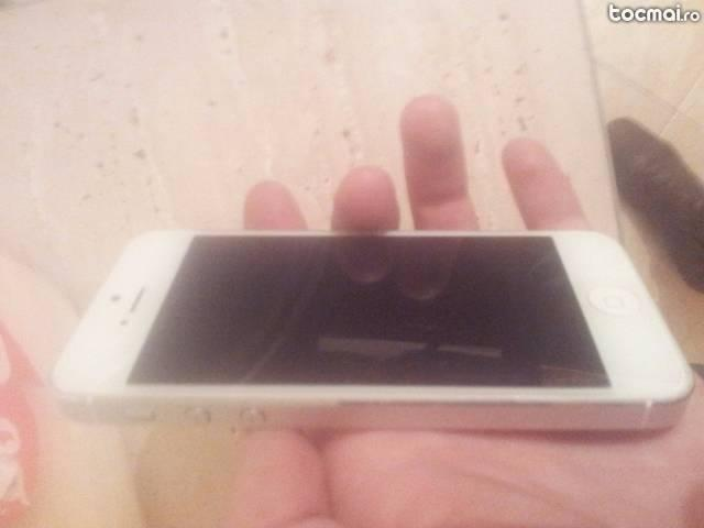 Iphone 5 16 gb neverloked stare impecabile
