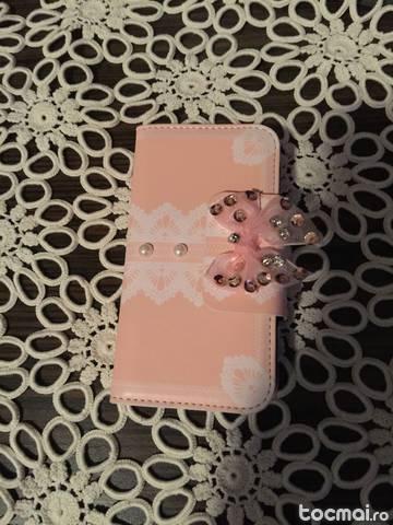 Husa iphone 4/ 4s tip portofel + folie protectie cadou !