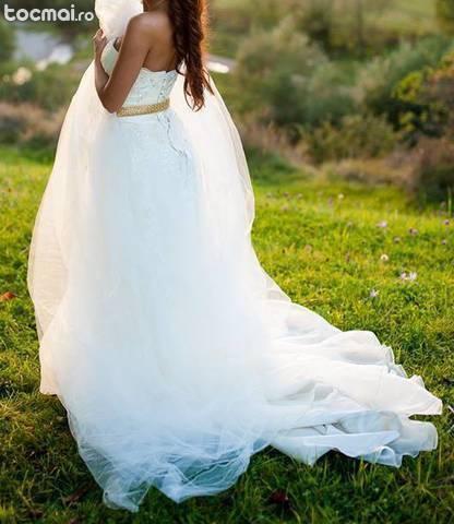 Rochie de mireasa superba