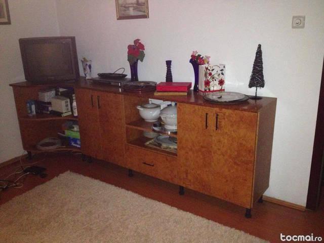 2 dulapuri - sufragerie, dormitor