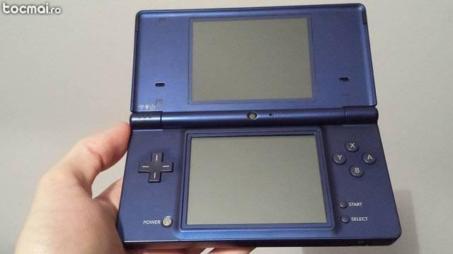 Consola portabila de colectie Nintendo DSi