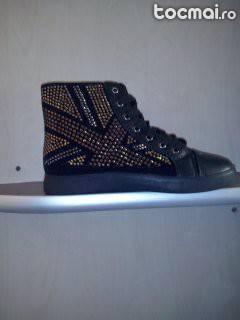 Adidasi moda italia
