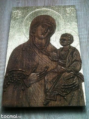 Fecioara Maria cu Pruncul Iisus - icoana sculptata