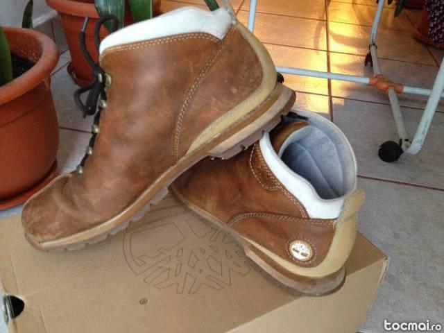 Ghete Timberland marimea 9, 5 UK (44)