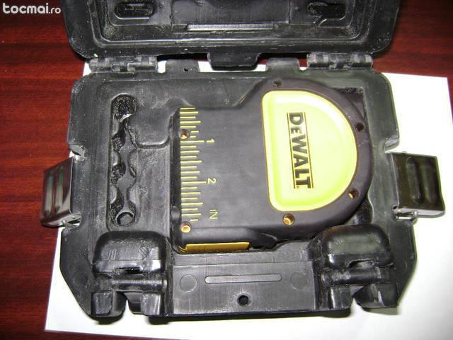 Nivela laser cu fir plumb dewalt dw 082