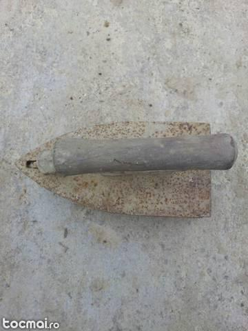 fier de calcat vechi